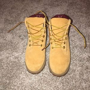 Only been worn once timberlands